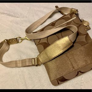 Coach Signature C Crossbody purse